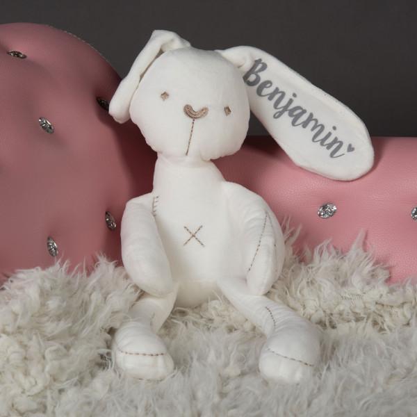 Stofftier Hase mit Namen als Geschenk zur Geburt
