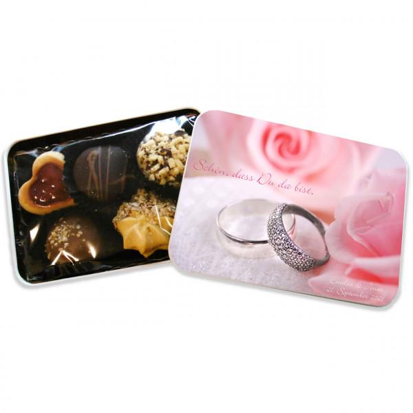 Personalisierte Keksdose mit Motiv als Gastgeschenk zur Hochzeit - geöffnet. (Visualisierungsbeispiel)