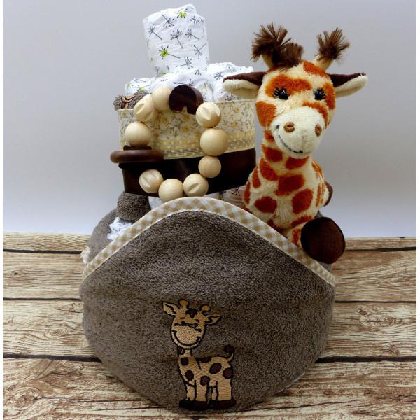 Windeltorte Giraffe mit viel Baby-Ausstattung